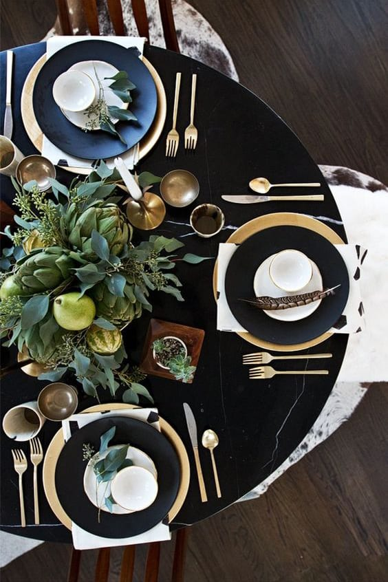 black tablescape